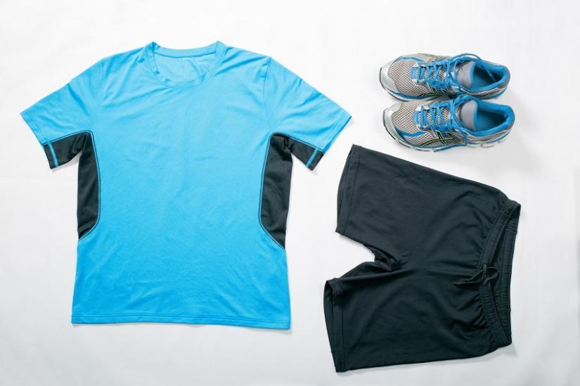Materiał, z jakiego wykonane są ubrania sportowe, to podstawa!