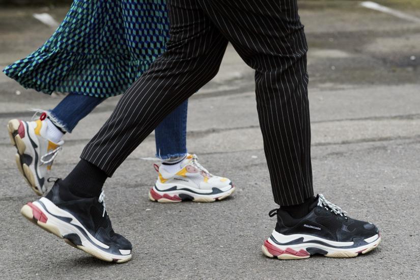 jakie sneakersy noszą it-girls