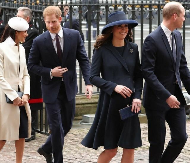 Trend Alert: Meghan Markle i księżna Kate przywracają do łask TE buty!