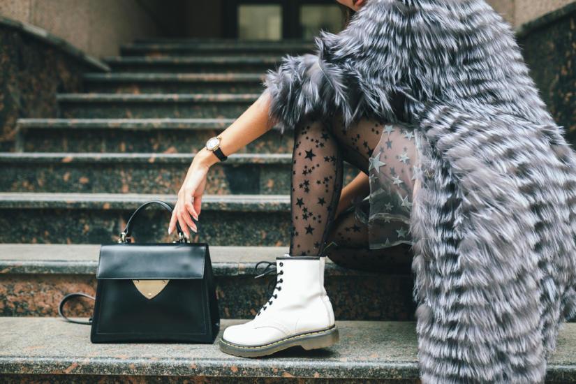 Białe buty przeżywają w tym roku wielki powrót