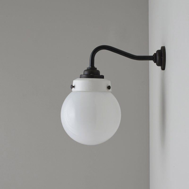 Davey Lighting Hampton Wall Light B Off