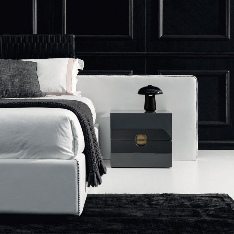 Contardi Ongo Battery Table Lamp Graphite Black Black Glass B