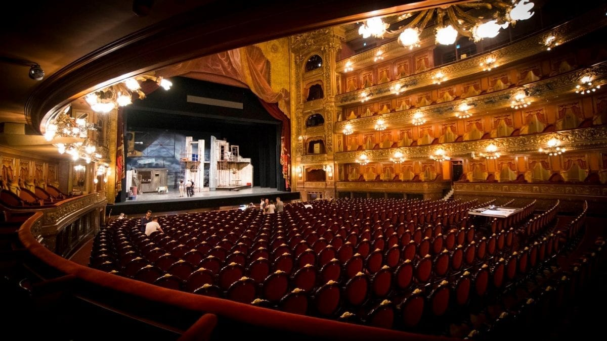 Watching rehearsals at Teatro Colón, credit: Niel Roux