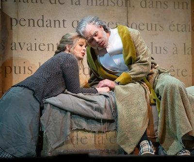 Siobhan-Stagg-Cinderella-and-Derek-Welton-Pandolphe-Cendrillon-Lyric-Opera-of-Chicago-Dec-2018-c-Todd-Rosenberg