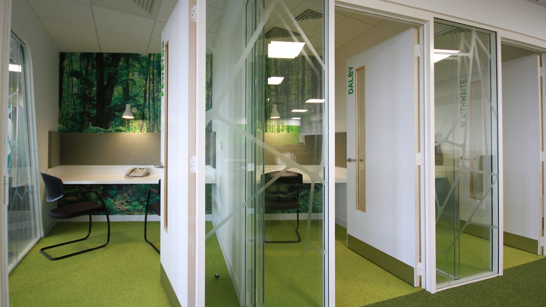 Office single meeting rooms