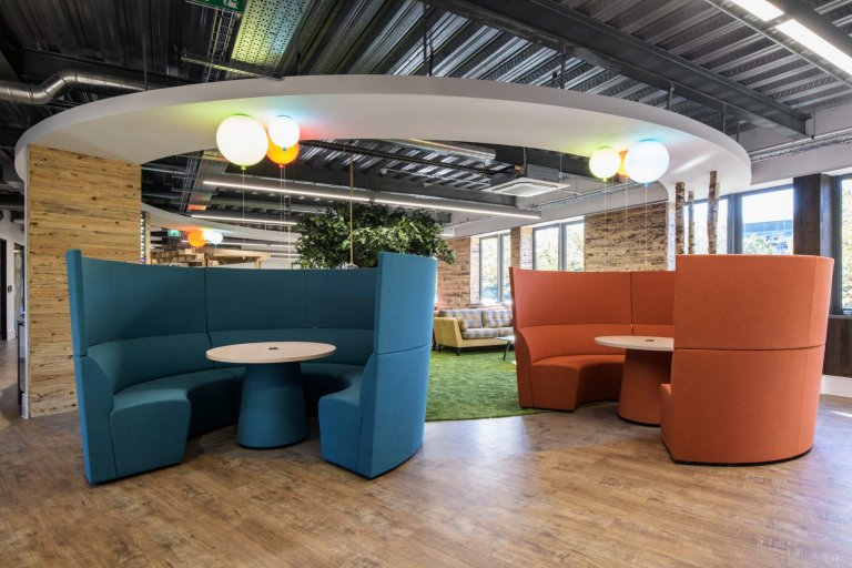 Ben Johnson Interiors Meeting booths showing curved detail in floor and ceiling at Mayborn House