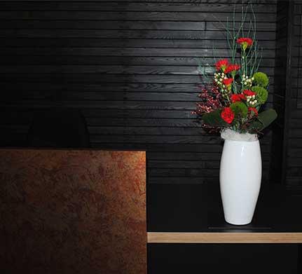 park row vase of fllowers