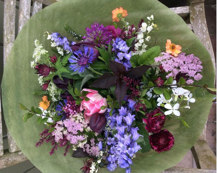 spring-flower-arranging
