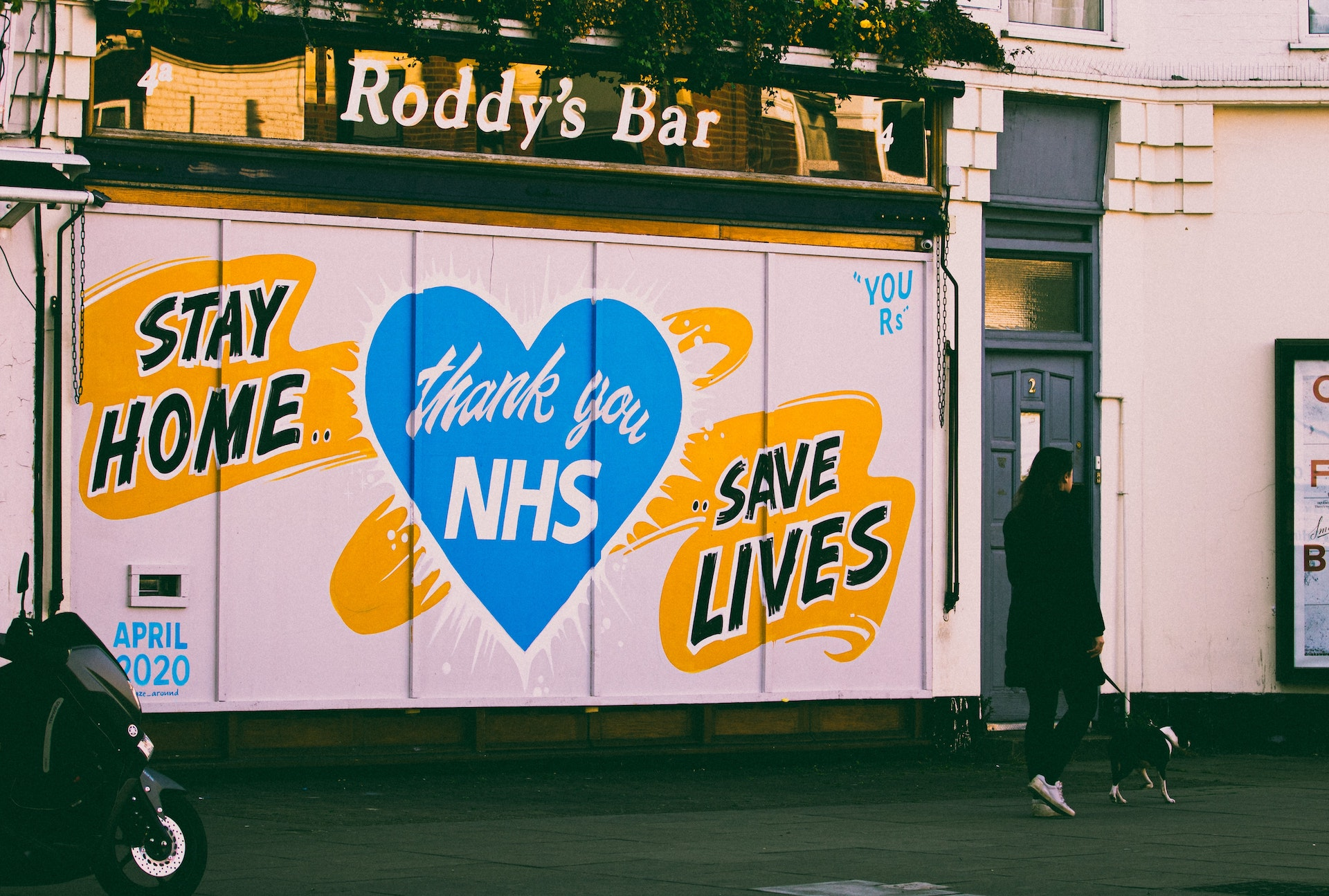 Stay home, save lives. NHS banner 2020.