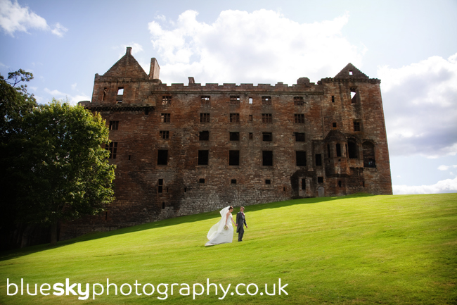 Amanda & Steve at Linlithgow Palace, Linlithgow
