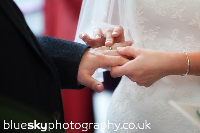 Emma & Dave, exchanging rings