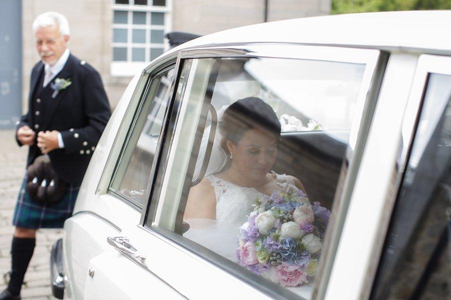 Hopetoun-House-Wedding-Gillian-Adriano-020