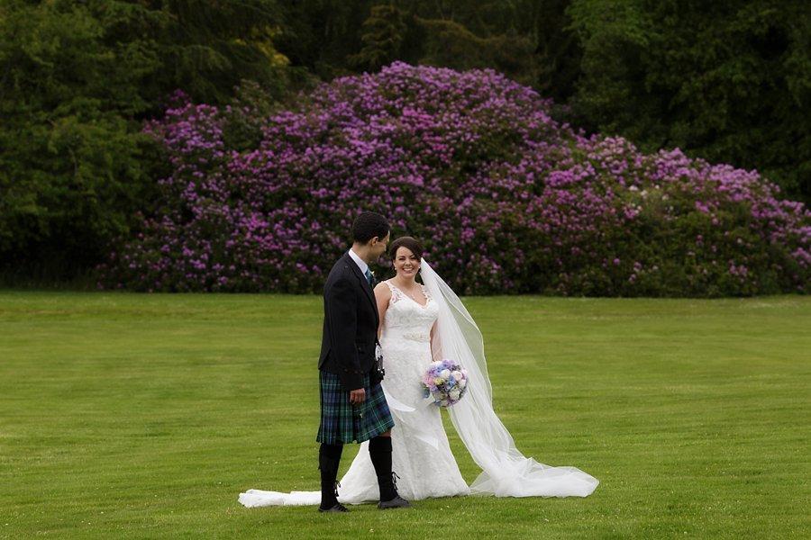 Hopetoun-House-Wedding-Gillian-Adriano-034
