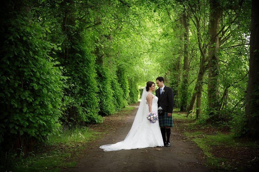 Hopetoun-House-Wedding-Gillian-Adriano-036
