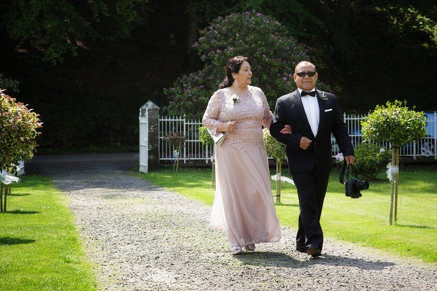Eva_Danny_Drumtochty_Castle_Wedding-015