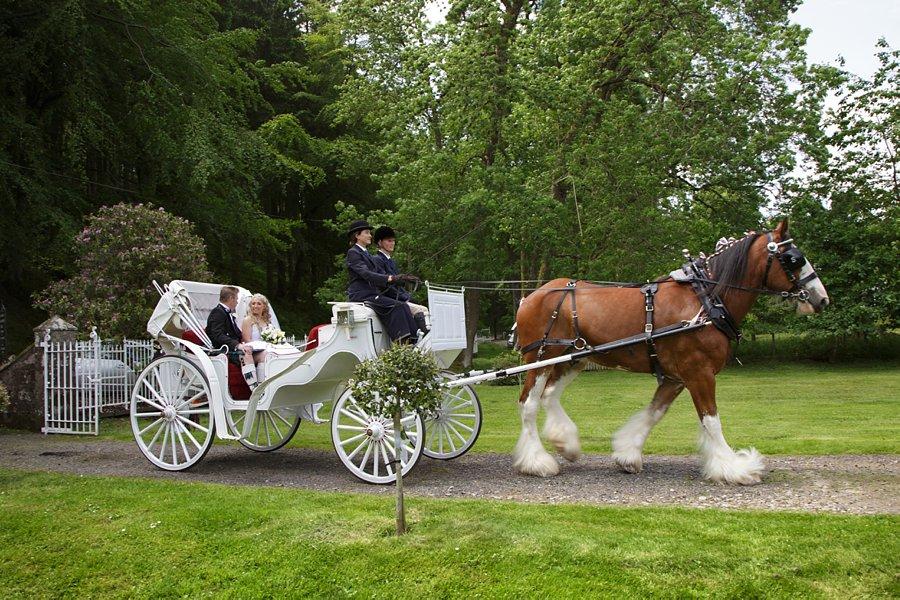Eva_Danny_Drumtochty_Castle_Wedding-020