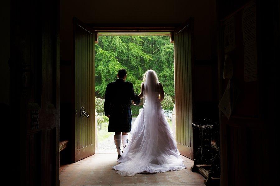 Eva_Danny_Drumtochty_Castle_Wedding-030