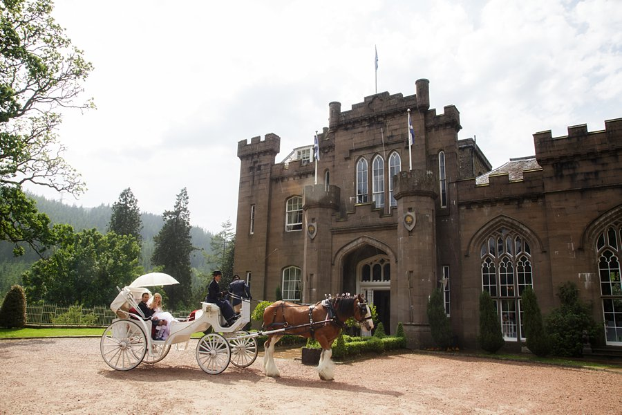 Eva_Danny_Drumtochty_Castle_Wedding-040