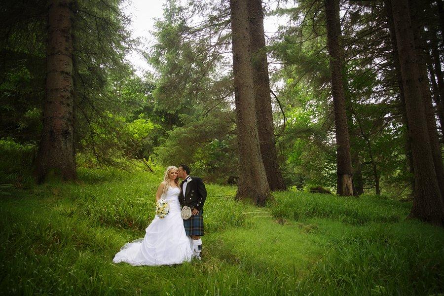 Eva_Danny_Drumtochty_Castle_Wedding-042