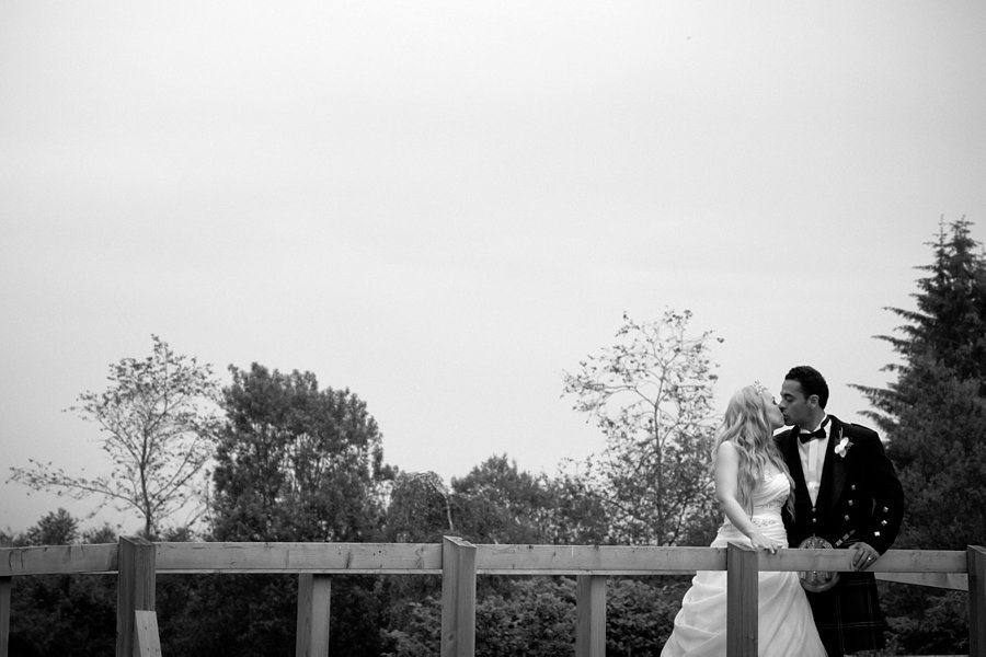 Eva_Danny_Drumtochty_Castle_Wedding-057