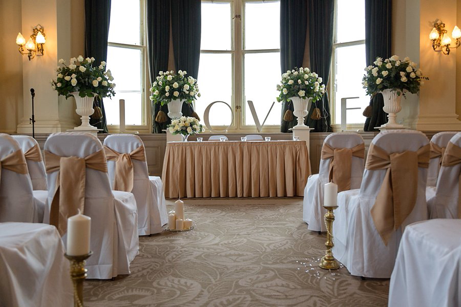 Balmoral_Hotel_Edinburgh_Wedding_Blue_Sky_Photography-019