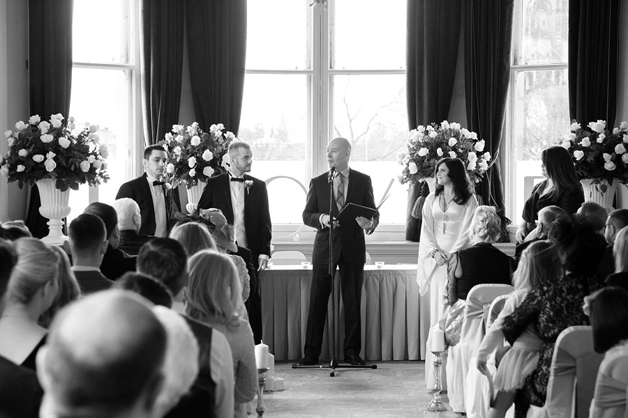 Balmoral_Hotel_Edinburgh_Wedding_Blue_Sky_Photography-023