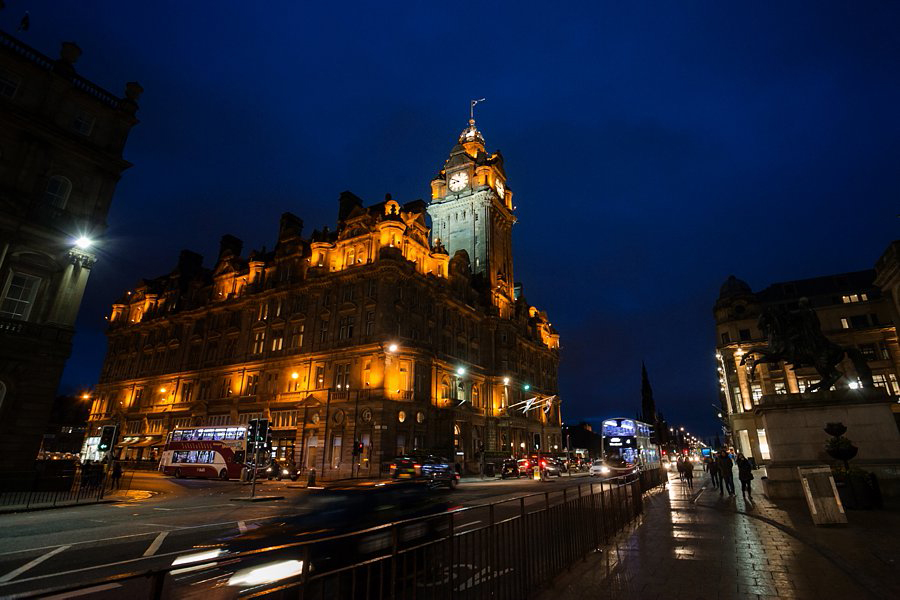 Balmoral_Hotel_Edinburgh_Wedding_Blue_Sky_Photography-057