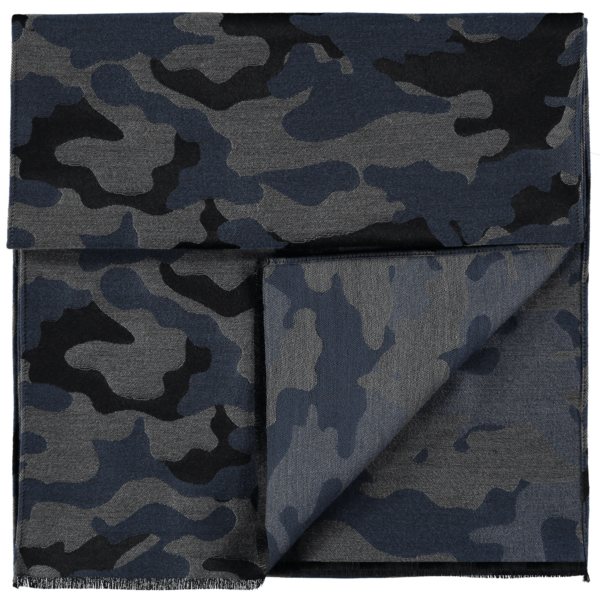 wool-scarf-camo-black-grey-blue-detail