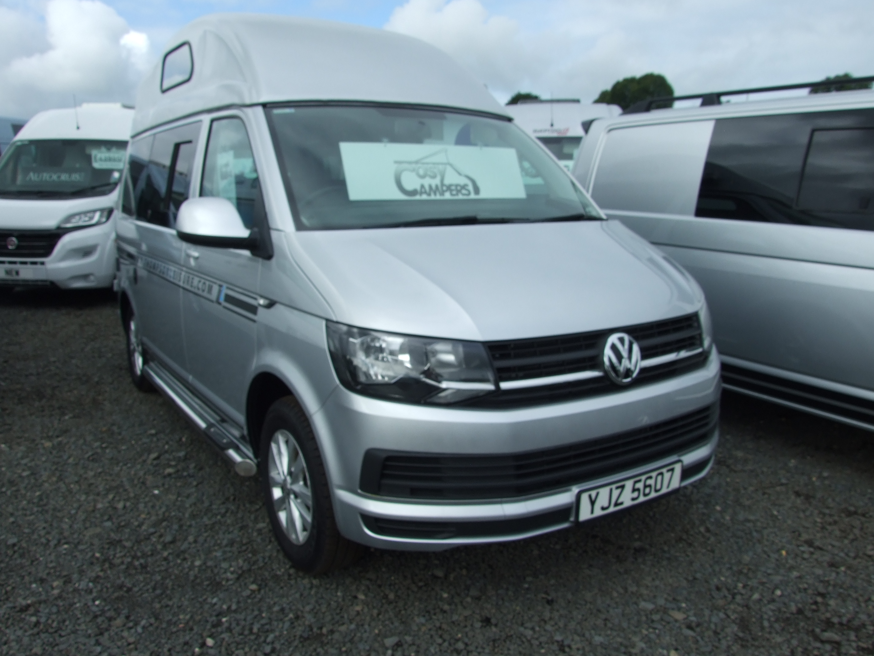 volkswagen t6 cosy camper save 4000 caravan bug buy and sell uk and all ireland. Black Bedroom Furniture Sets. Home Design Ideas