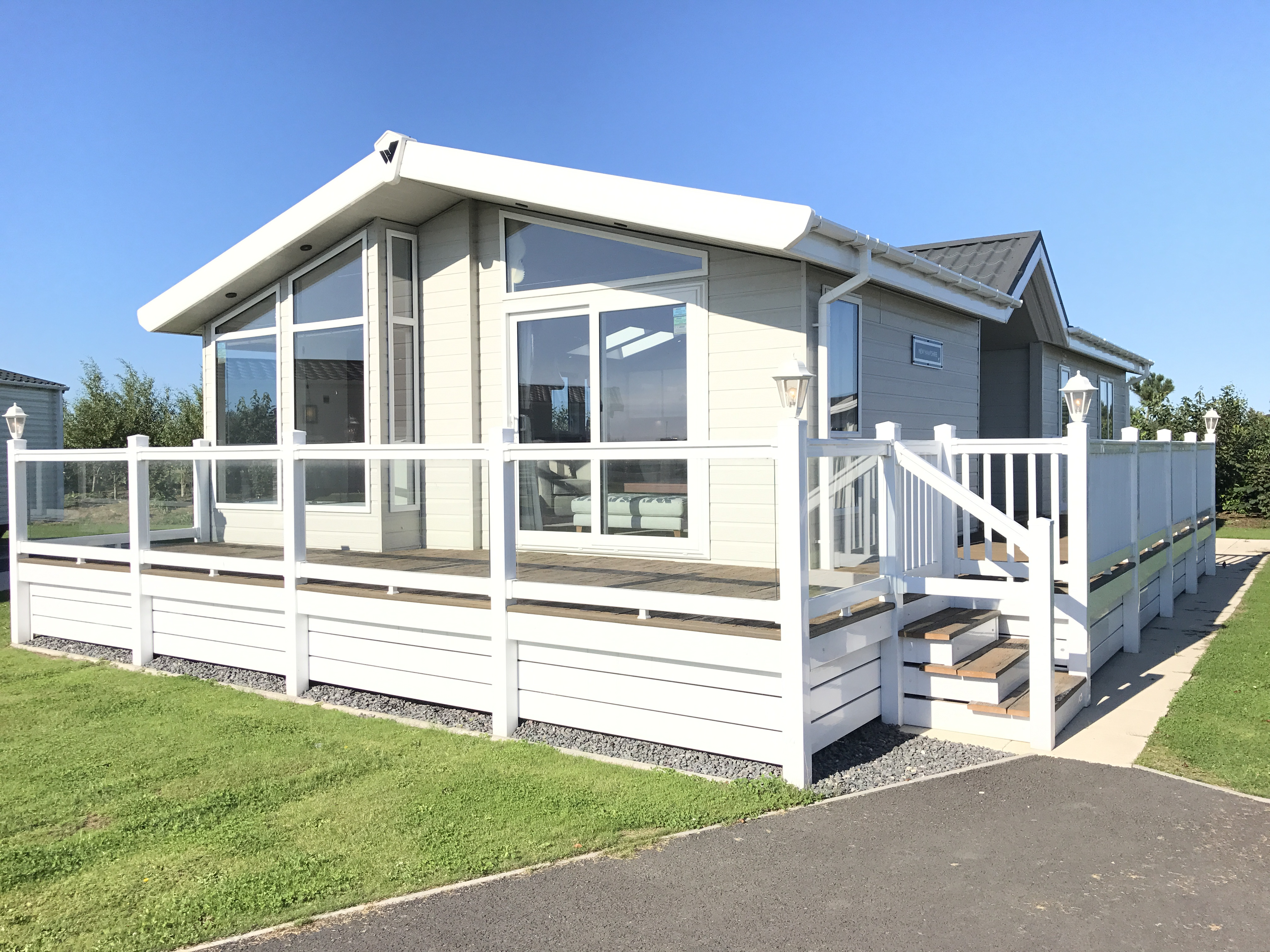 2016 Willerby New Hampshire Lodge 42 x 20 x 2 Bedrooms, DG, GCH, Decking