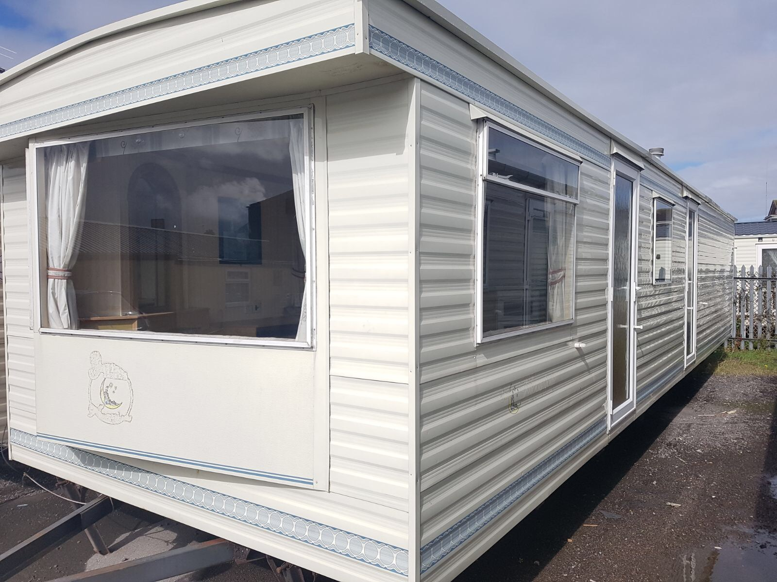 2000 Atlas Moonstone 35 x 10 x 3 Bedrooms with 50/50 Pitch Fees for 2018