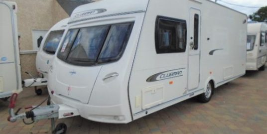 2011 LUNAR CLUBMAN SI 4 BERTH WITH FIXED TRANSVERSE ISLAND BED