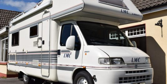 2000 LMC Liberty 6 Berth with fixed bed