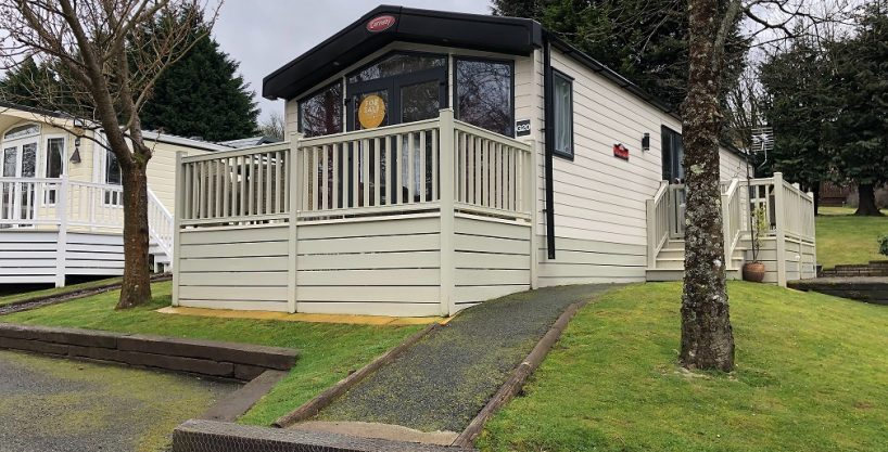 The Carnaby Helmsley Lodge 39X13X2 2017 includes large front Decking plus an additional side decking.