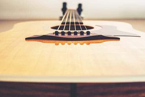 cambiare-corde-chitarra
