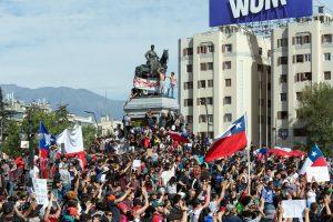 https://s3-eu-west-2.amazonaws.com/cd.darkblue.staging/content/uploads/2020/05/20092637/Protestas_en_Chile_20191022_07_web.jpg