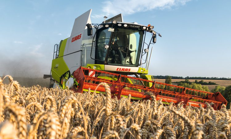 New-generation combine from Claas breaks cover