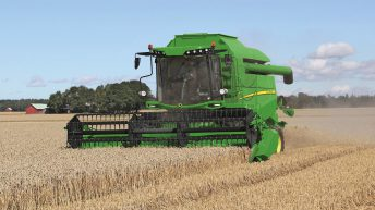 John Deere revamps its smaller Sampo-built combines