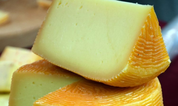 Dairy UK says 'cheers' to Christmas with cheese and whiskey pairing app