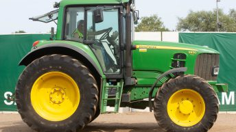 Auction report: 6-pot John Deere highlights from big tractor sale