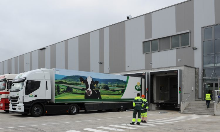 Arla joins UK and European farmers' call to avoid 'no-deal' Brexit