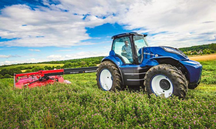 New Holland's futuristic methane-powered tractor wins big