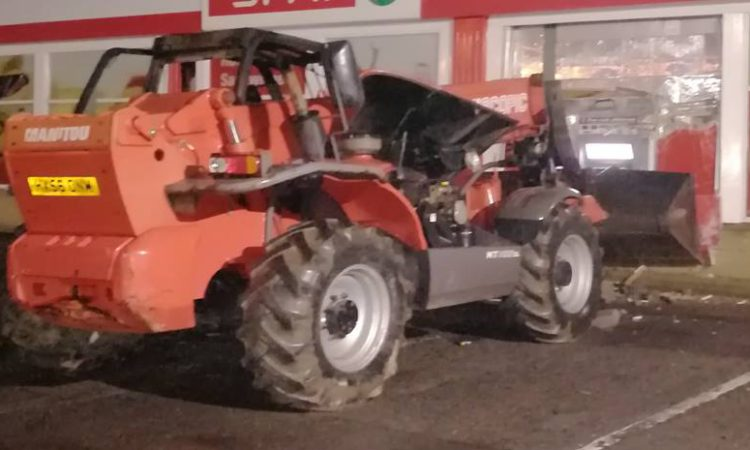 Telescopic handler used in brazen attempted ATM theft