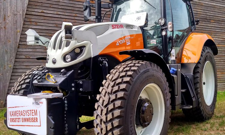 Can this tractor camera make road junctions safer?