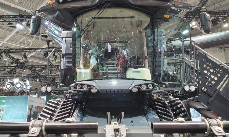 Agritechnica 2019: Flagship Fendt combine has no steering wheel