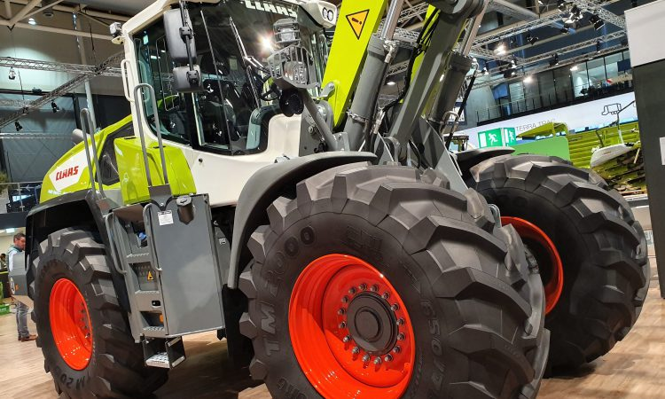 How many new telehandlers and loaders are selling?