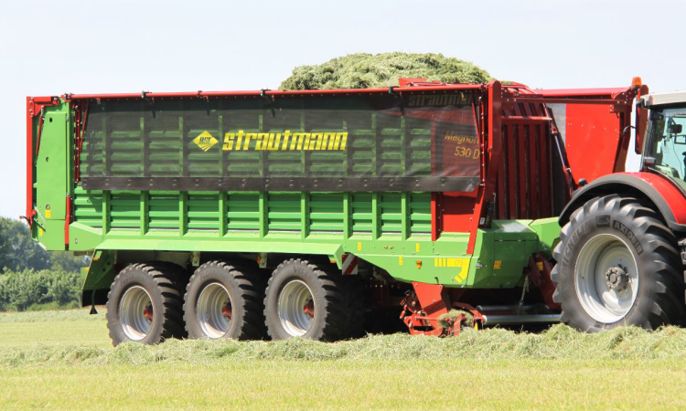 Strautmann wagon gets hydraulic pick-up, plastic tines and moving bulkhead