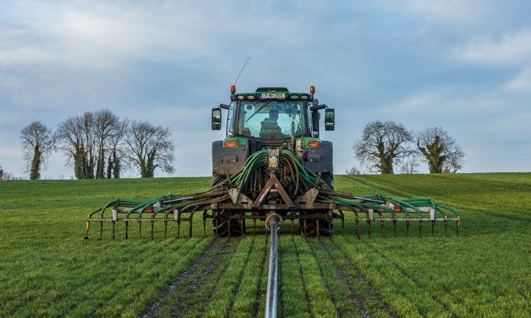 What fertiliser do I need to spread to grow a crop of first-cut silage?