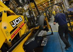 JCB unveils 4 new fully electric machines