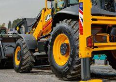 Updating a classic: JCB unveils revamped 3CX backhoe loader